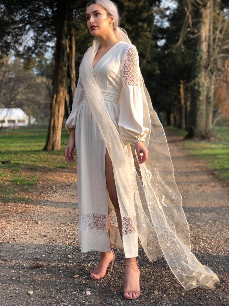 Rochie mireasa inspiratie traditionala